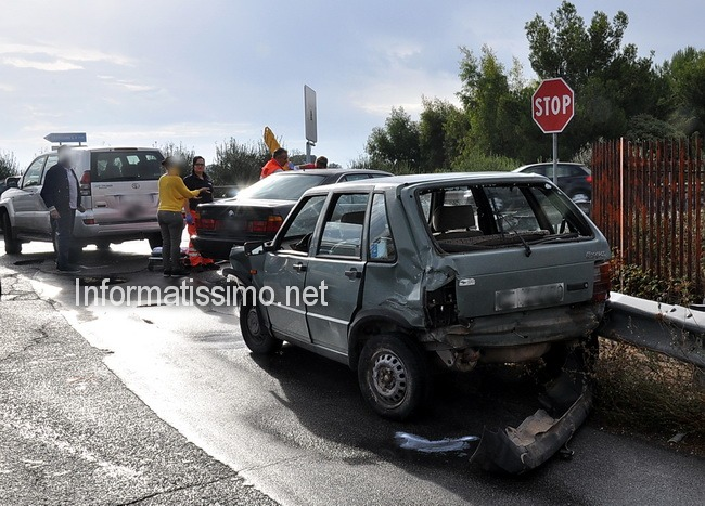 Incidente_a_tre_su_Via_Castellana_-_2_feriti_b