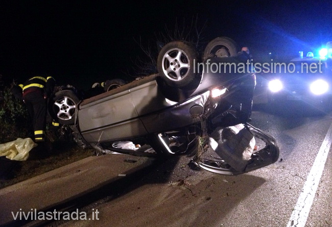 Incidente_sp_50_auto_ribaltata_Putignano_2_low