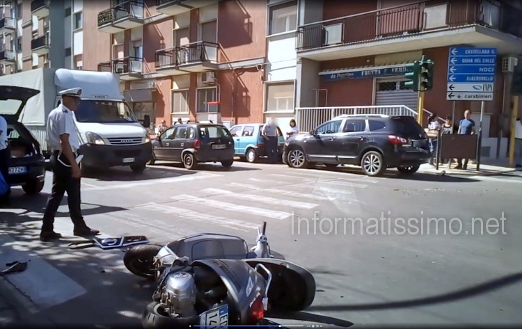Scontro_Scooter_-_Suv_incrocio_Via_Conversano