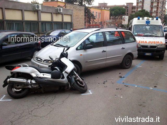 Scontro_auto_-_moto_Via_Cav_di_Malta