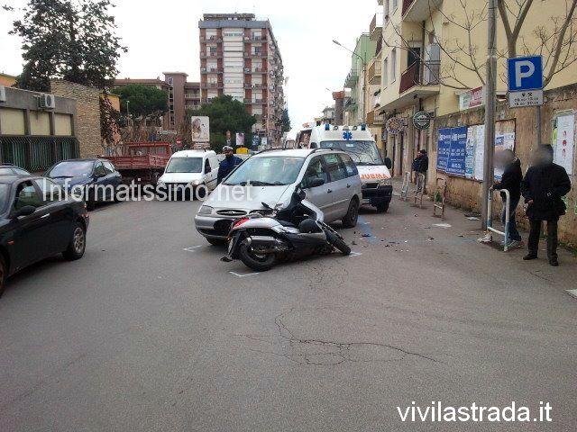 Scontro_auto_-_moto_Via_Cav_di_Malta2