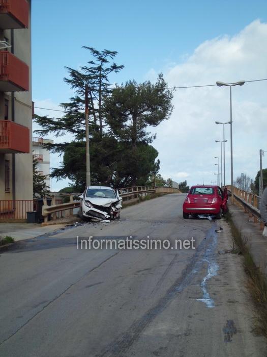 Scontro_ponte_Via_Conversano_low