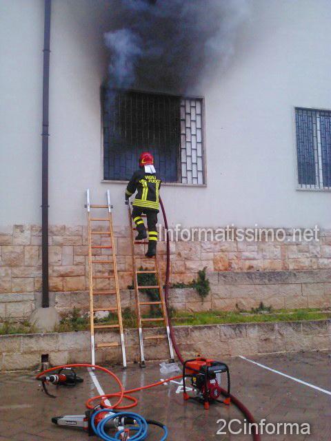 Scuola_Tauro_incendio_Castellana_Grotte