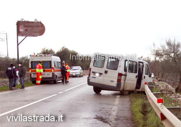 furgone_fuori_strada_6_feriti