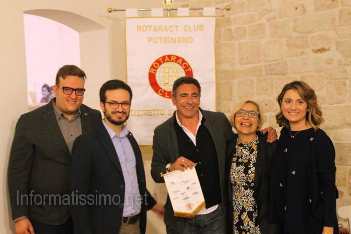 Rotaract__presentazione_volume_Impronte_di_Viaggio