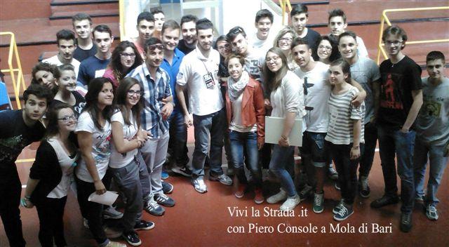 vivi_la_strada_-__liceo_Da_Vinci_-_Majorana_-_Mola_di_Bari_10