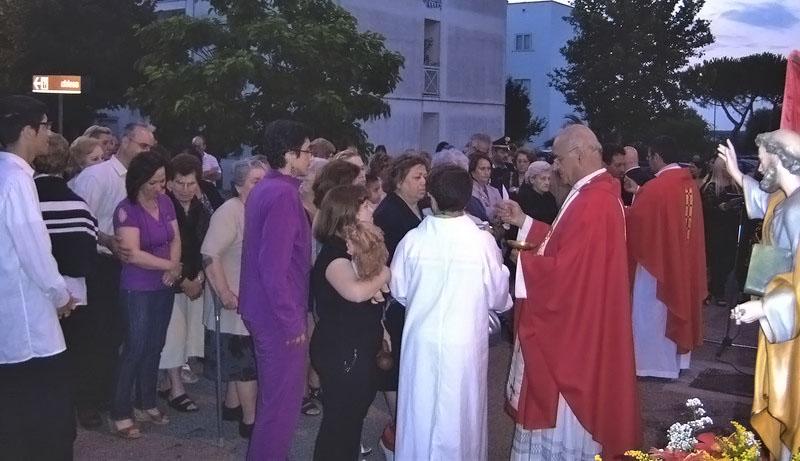 La messa celebrata dal vescovo a San Pietro Piturno